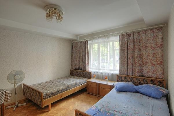 1-комнатная квартира посуточно в Киеве. Шевченковский район, ул. Саксаганского, 88. Фото 1