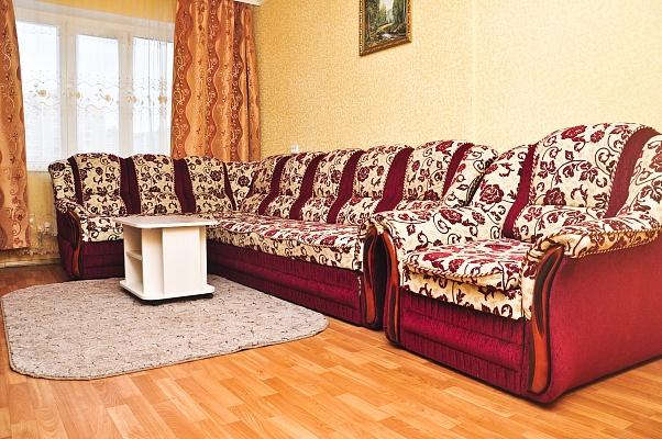 1-комнатная квартира посуточно в Чернигове. Новозаводской район, ул. Независимости, 74. Фото 1