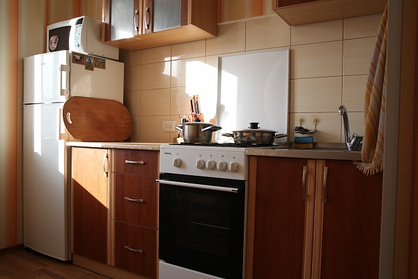 2-комнатная квартира посуточно в Феодосии. п. Курортное ул. Подгорнорная, 10. Фото 1