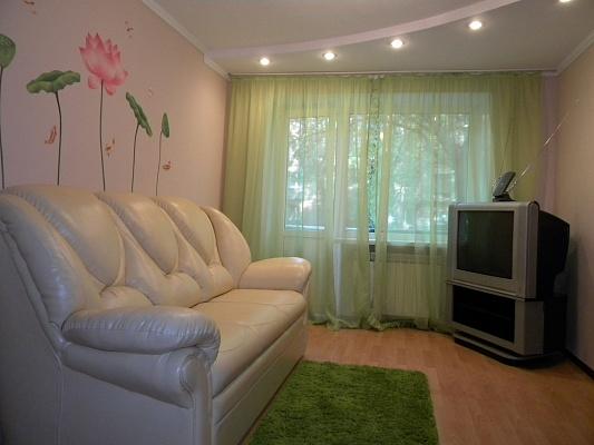 2-комнатная квартира посуточно в Запорожье. Орджоникидзевский район, ул. Яценко, 10. Фото 1