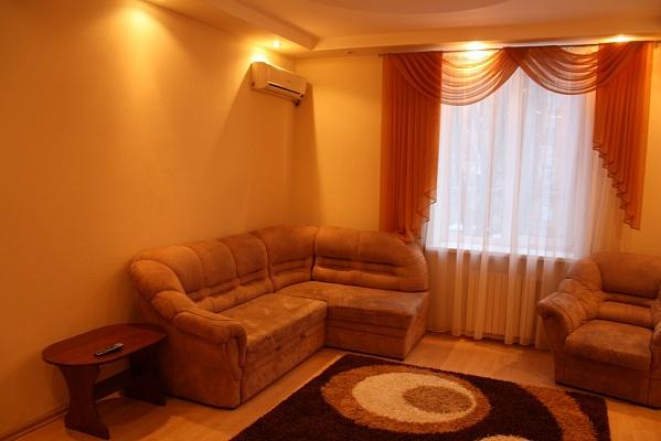 2-комнатная квартира посуточно в Кривом Роге. Саксаганский район, пр-т Гагарина, 27. Фото 1