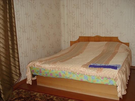 2-комнатная квартира посуточно в Кременчуге. ул. Красина, 4. Фото 1