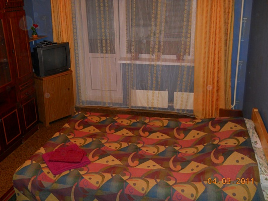 1-комнатная квартира посуточно в Киеве. Дарницкий район, Харьковское шоссе, 178. Фото 1