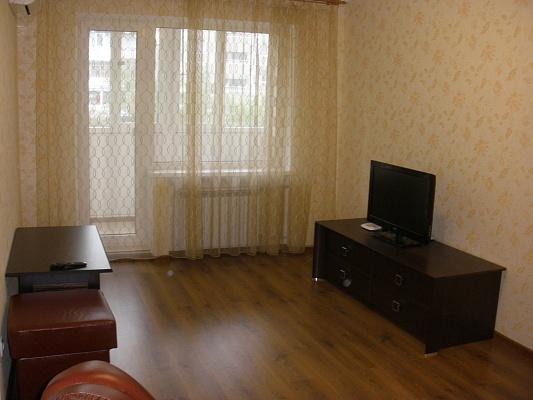 2-комнатная квартира посуточно в Донецке. Киевский район, киевский, 5а. Фото 1