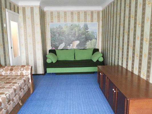 1-комнатная квартира посуточно в Каменце-Подольском. ул. Князей Кориатовичей, 4. Фото 1