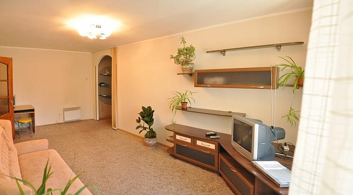 2-комнатная квартира посуточно в Николаеве. Центральный район, ул. Декабристов, 25. Фото 1