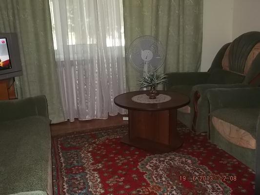 1-комнатная квартира посуточно в Белой Церкви. Сквирское шоссе, 221. Фото 1