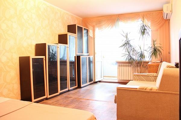 1-комнатная квартира посуточно в Одессе. Приморский район, пер. Клубничный , 25. Фото 1
