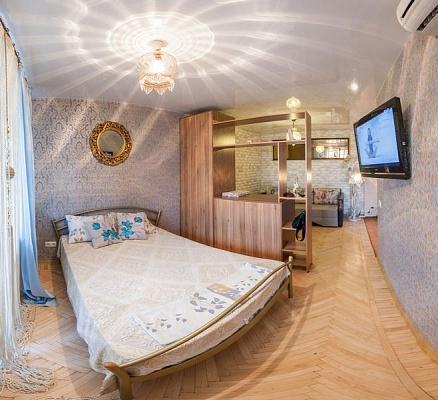 1-комнатная квартира посуточно в Харькове. Дзержинский район, ул. 23 августа, 31. Фото 1