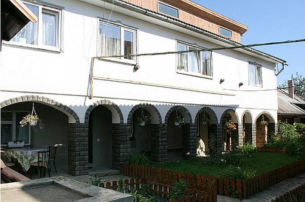 Дом  посуточно в Сколе. ул. Гайдамацкая, 78 . Фото 1