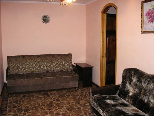 2-комнатная квартира посуточно в Хмельницком. ул. Каменецкая, 48. Фото 1