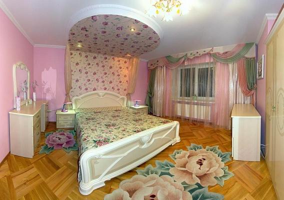 3-комнатная квартира посуточно в Трускавце. ул. Скоропадского, 10/46. Фото 1