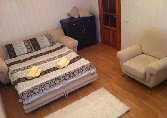 1-комнатная квартира посуточно в Днепропетровске. Бабушкинский район, ул. Плеханова, 18. Фото 1