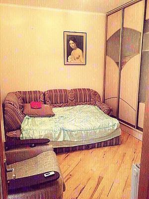 2-комнатная квартира посуточно в Львове. Галицкий район, пр-т Чорновола, 11. Фото 1