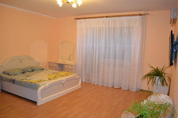 1-комнатная квартира посуточно в Ильичёвске. ул. Парковая, 22Б. Фото 1