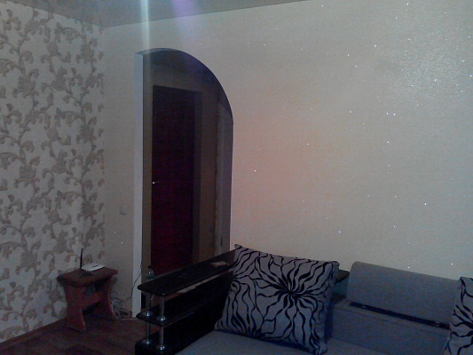 1-комнатная квартира посуточно в Северодонецке. ул. Курчатова, 19А. Фото 1