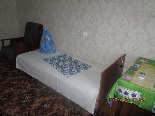 1-комнатная квартира посуточно в Бердянске. Лиепайская , 17. Фото 1
