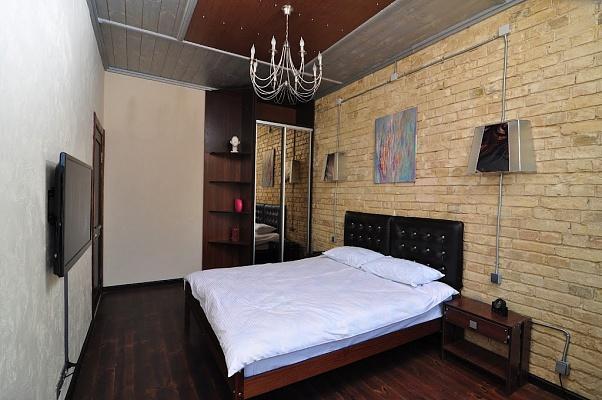 3-комнатная квартира посуточно в Киеве. Печерский район, ул. Крещатик, 29. Фото 1