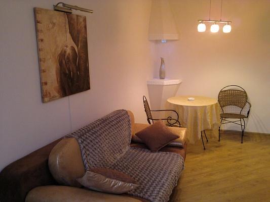 2-комнатная квартира посуточно в Одессе. Приморский район, ул. Екатерининская, 31/33. Фото 1