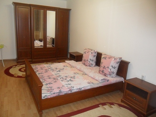 2-комнатная квартира посуточно в Ивано-Франковске. ул. Грушевского, 1. Фото 1