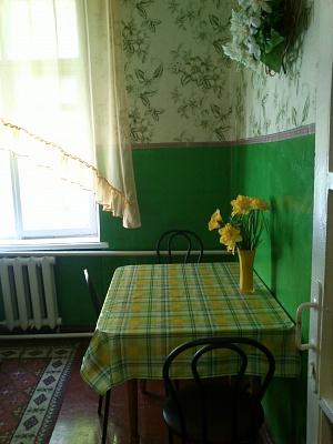 1-комнатная квартира посуточно в Симферополе. Железнодорожный район, ул. КИМа, 1/2. Фото 1