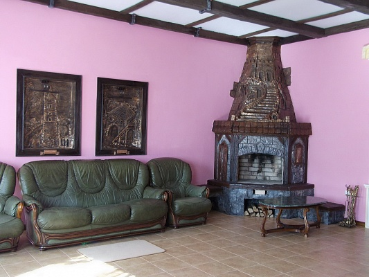 3-комнатная квартира посуточно в Каменце-Подольском. ул. Пятницкая, 1. Фото 1