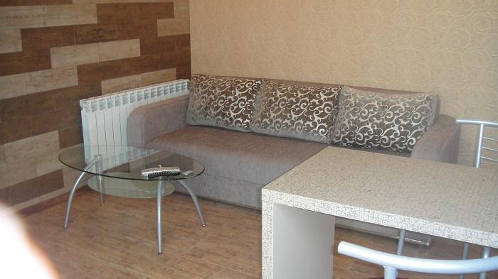 2-комнатная квартира посуточно в Севастополе. Ленинский район, п-т Античный, 6. Фото 1