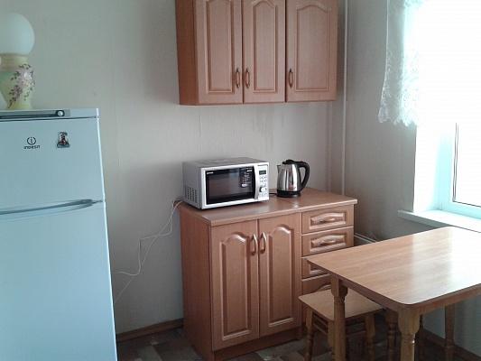 1-комнатная квартира посуточно в Киеве. б-р Быкова, 4. Фото 1