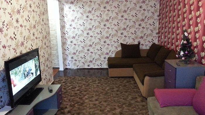 1-комнатная квартира посуточно в Мариуполе. ул. Карпинского, 74. Фото 1