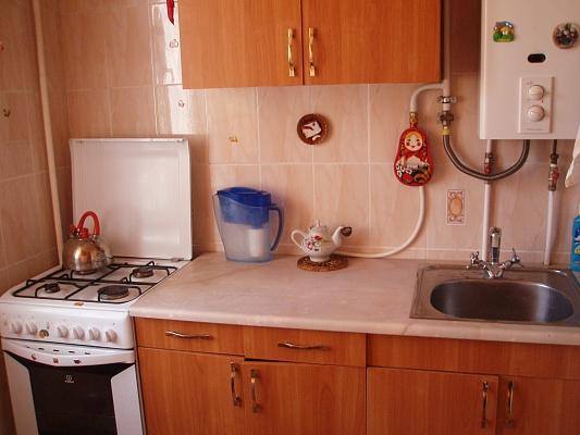 1-комнатная квартира посуточно в Севастополе. Гагаринский район, ул. Вакуленчука, 21. Фото 1