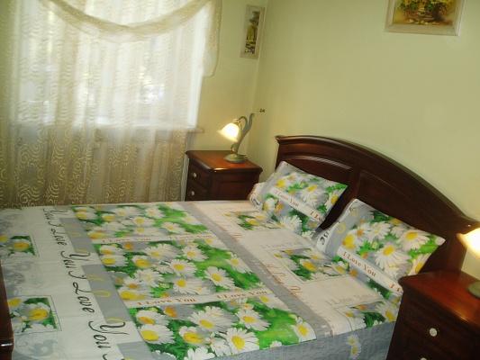3-комнатная квартира посуточно в Одессе. Приморский район, пр-т Гагарина, 13. Фото 1