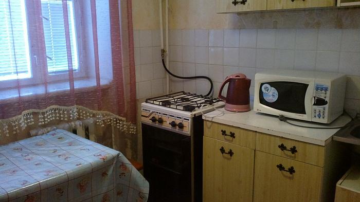 1-комнатная квартира посуточно в Хмельницком. ул. Победы, 6 А. Фото 1
