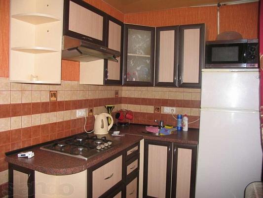 1-комнатная квартира посуточно в Днепродзержинске. б-р Героев, 2. Фото 1
