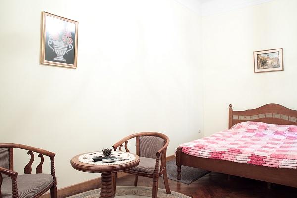 1-комнатная квартира посуточно в Львове. Галицкий район, ул. Краковская, 18. Фото 1
