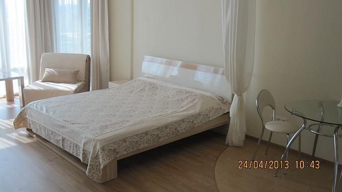 1-комнатная квартира посуточно в Севастополе. Гагаринский район, Парковая, 11. Фото 1