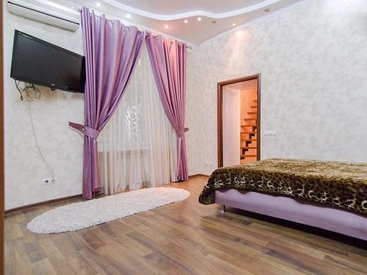 1-комнатная квартира посуточно в Одессе. Приморский район, ул. Ришельевская, 9. Фото 1