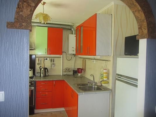 2-комнатная квартира посуточно в Черкассах. пр.Химиков, 60. Фото 1