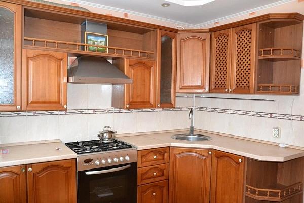 2-комнатная квартира посуточно в Саках. ул. Крымская, 3. Фото 1