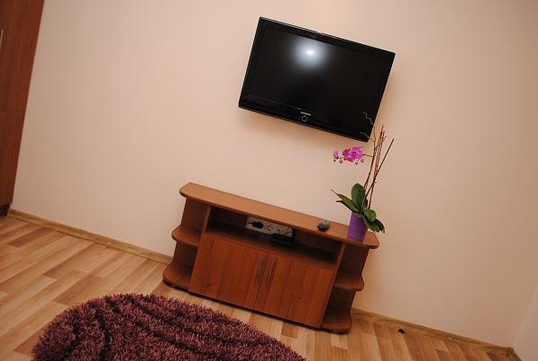 2-комнатная квартира посуточно в Ивано-Франковске. ул. Целевича, 16г. Фото 1