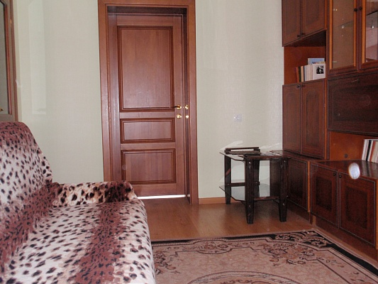 2-комнатная квартира посуточно в Ровно. пр-т Мира, 18. Фото 1