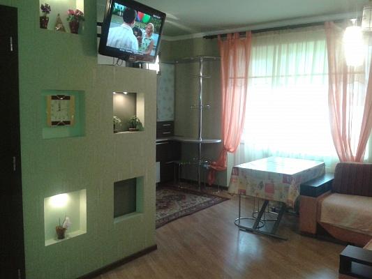 2-комнатная квартира посуточно в Трускавце. ул. Стебницкая, 23а. Фото 1