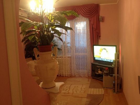 1-комнатная квартира посуточно в Борисполе. ул. Головатого, 36. Фото 1