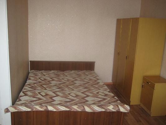 1-комнатная квартира посуточно в Кировограде. Ленинский район, ул. Ген. Радимцева, 106. Фото 1