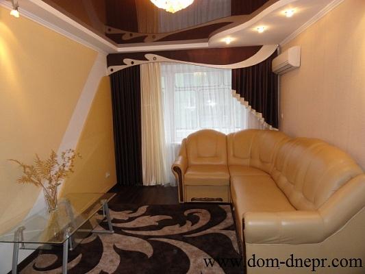 3-комнатная квартира посуточно в Никополе. ул. Станиславского , 38. Фото 1