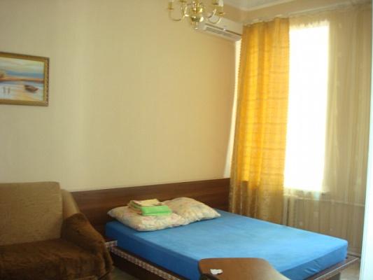 1-комнатная квартира посуточно в Одессе. Приморский район, ул. Пушкинская, 83. Фото 1