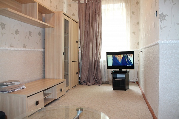 1-комнатная квартира посуточно в Севастополе. Ленинский район, ул. Пушкина, 4. Фото 1