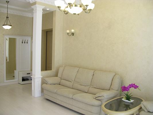 2-комнатная квартира посуточно в Днепропетровске. Бабушкинский район, пр-т  Д.Яворницкого (Карла Маркса), 53-А. Фото 1