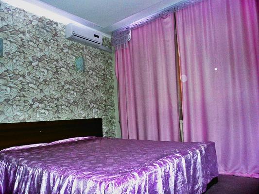 2-комнатная квартира посуточно в Харькове. Краснозаводской район, ул. Кирова, 1. Фото 1