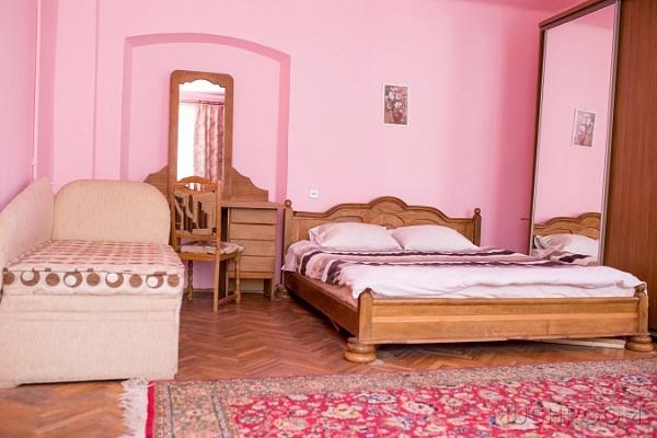 2-комнатная квартира посуточно в Львове. Галицкий район, ул. Староеврейская, 24. Фото 1