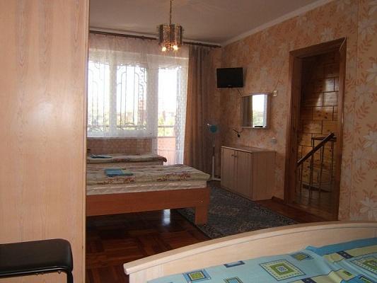 Комната  посуточно в Заозёрном. ул. Солнечная, 21А. Фото 1